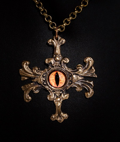 194 Eye of Tiamat Pendant