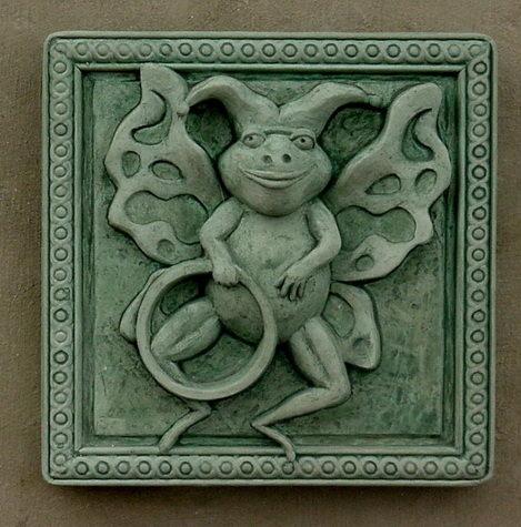 117 Hoop (Flying Frog Plaque)