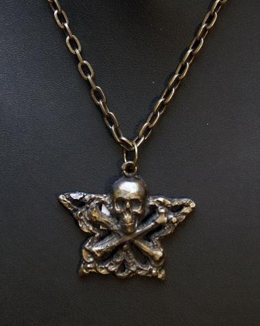 209 Skull & Cross Bones Pendant